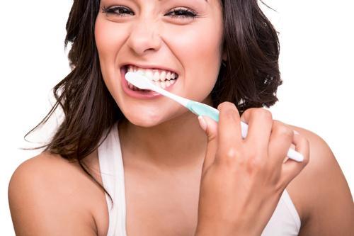 Tìm hiểu triệu chứng bị ê răng là bệnh gì và cách chữa trị 1