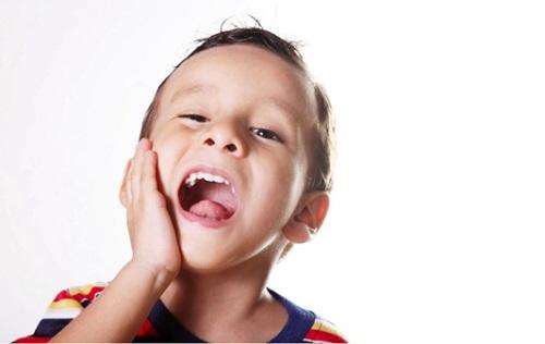 Trẻ em bị sâu răng sữa điều trị thế nào là KHOA HỌC nhất?