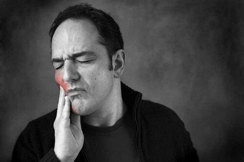 Cách làm giảm ê buốt răng đơn giản mà hiệu quả 1