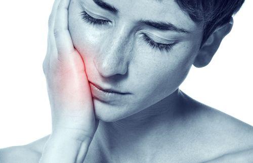 Đau răng sưng má phải làm sao để điều trị cấp tốc? 1