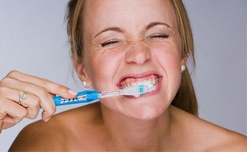 Vì sao bị ê buốt chân răng và cách chữa khỏi ngay lập tức ! 3