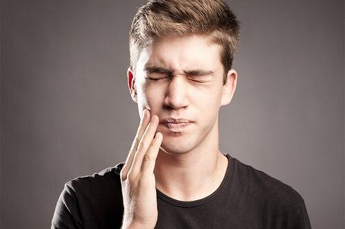 """5 Cách chữa đau răng không dùng thuốc """"TẠI NHÀ"""" cực đơn giản 1"""
