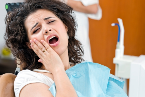 Chia sẻ cách chữa nhức răng tạm thời TẠI NHÀ hiệu quả trong 5 phút 1