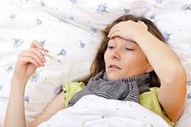 Mọc răng khôn hàm trên bị sốt phải làm sao?1