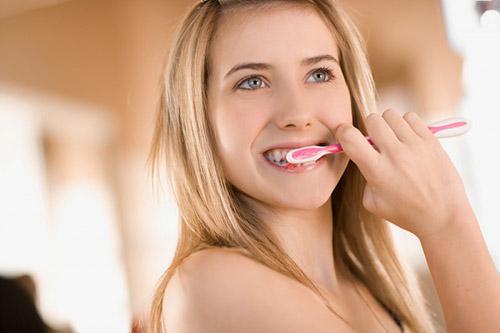 Tẩy trắng răng bị ê buốt - nguyên nhân do đâu? 2