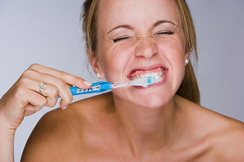 Răng bị tụt lợi làm thế nào để điều trị TẬN GỐC? 3