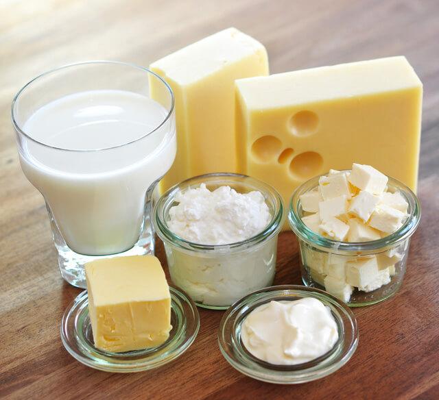 Top 5 món ăn làm trắng răng quen thuộc có hiệu quả SIÊU BẤT NGỜ 2