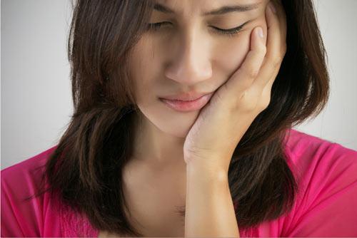 Tư vấn nhanh: Mọc răng khôn bị sưng má có nên nhổ bỏ không? 1